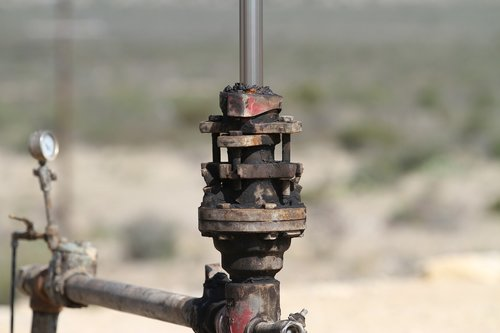 oil and gas  oil  pump