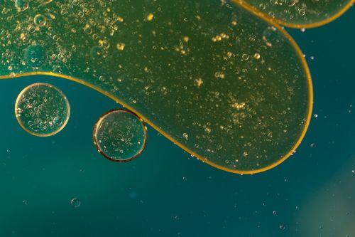 oil in water oil eye liquid