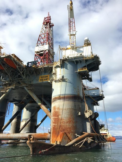 oil industry industry drilling rig ocean valiant