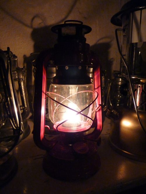 oil lamp lantern petroleum