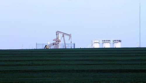 oil rig oil field