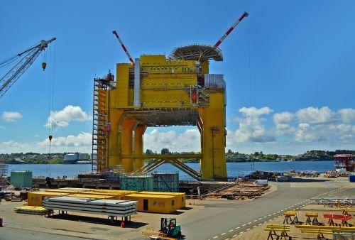 oil rig drilling platform oil