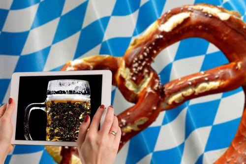 oktoberfest beer pretzel