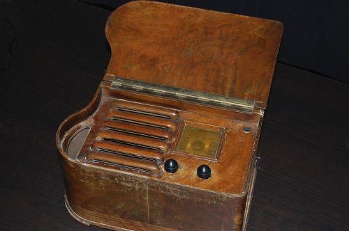 old radio old radio