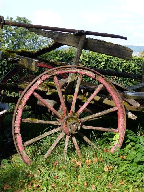old wooden wheel nostalgia