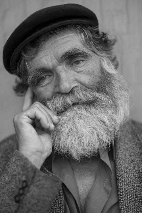 senas,senelis,vyras,Patinas,barzda,senas vyras,senas senelis,skrybėlę,bebras,gulėti,taikus,meilė,taika,skrybėlių vyrukas,forlorn,Turkija,gatvė,mintis,vienatvė,berniukas senas