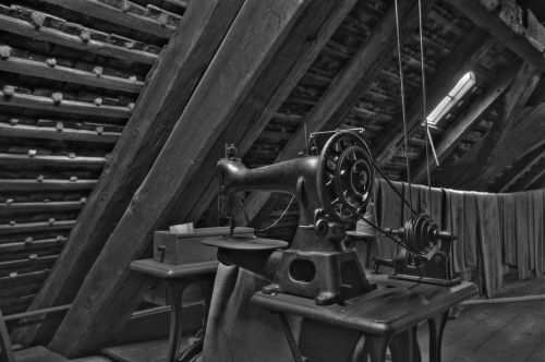 old sewing machine sew