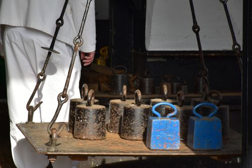 old scale weights
