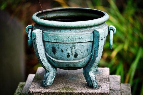old  pot  arts and crafts