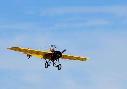 old aircraft driver flight