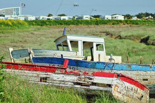 old boat  seascape  antique