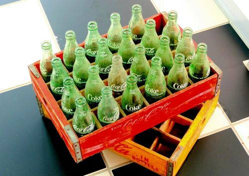 old box cola cola bottles