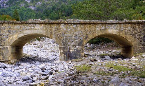 old bridge dry torrent stones
