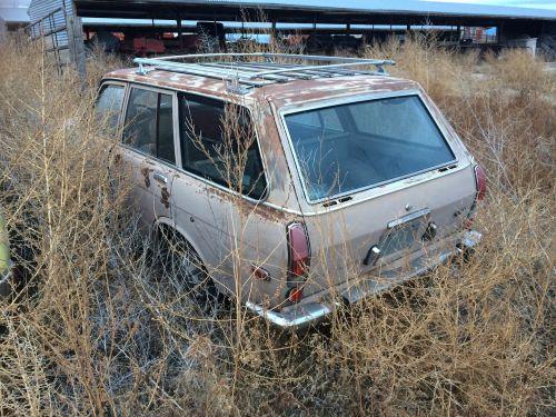 old car datsun 510 farm