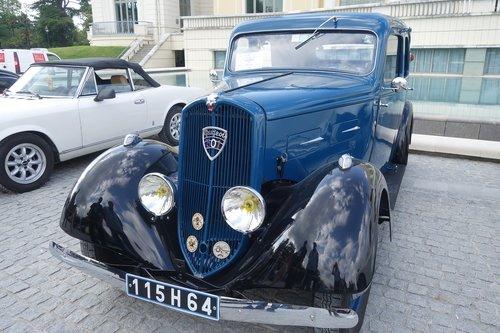 old cars  peugeot 301  pau