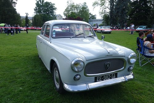 old cars  peugeot 403-7  pau