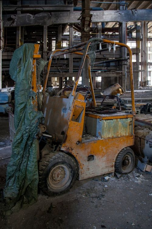 old forklift abandoned old