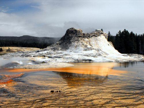 old geyser water park