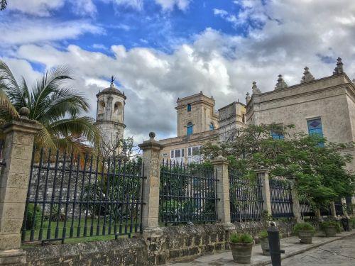 old havana plaza sky