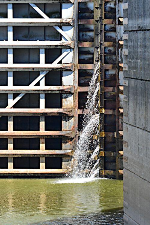 old hickory lock and dam lock engineering