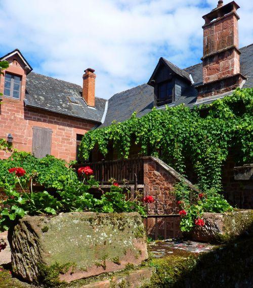 seni namai,kaimas,france,viduramžių,senas kaimas,viduramžių kaimas,paveldas,siena,sutraukia raudonai,sienų akmuo,senas