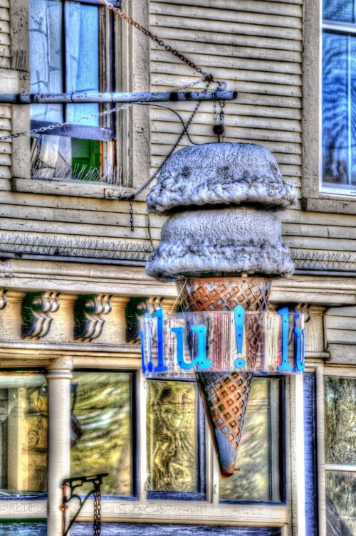 Old Ice Creme Sign