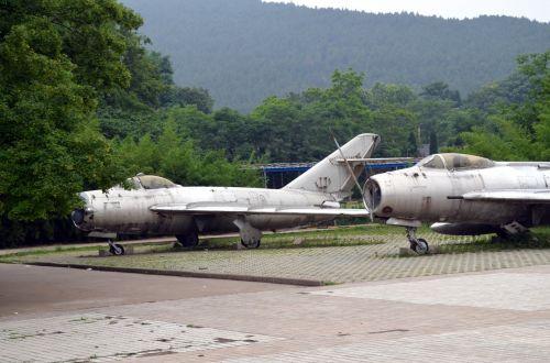 Old Jets