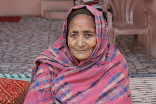 old lady india patiala