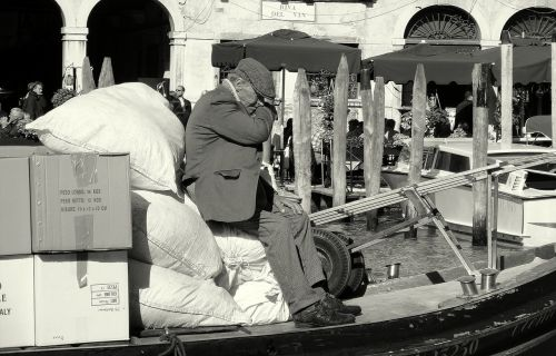 old man boat venezia