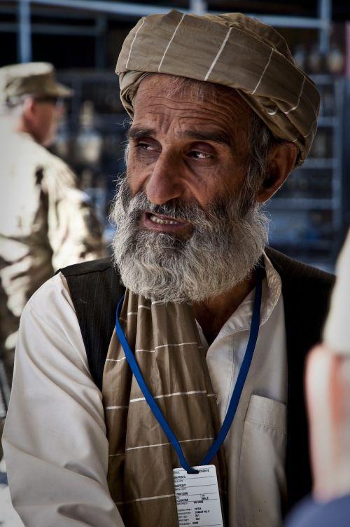 old man beard aging