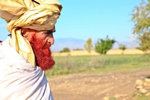 old man turban red beard