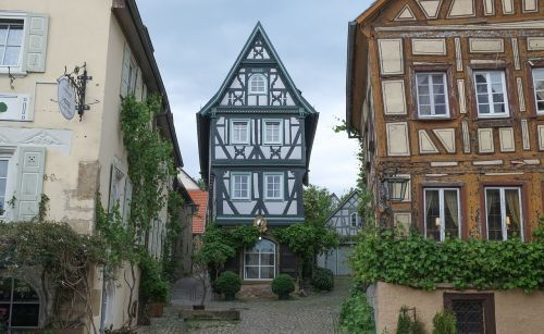 old town old house truss