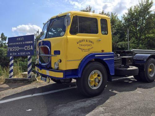 old truck fiat transport