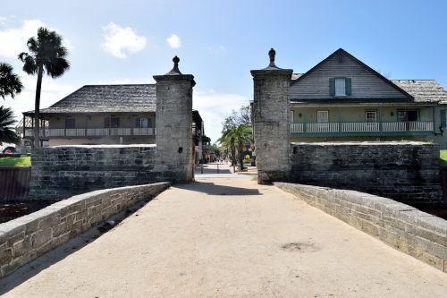 oldest city entrance st george street