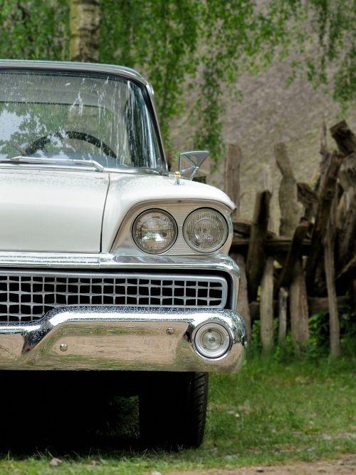 oldtimer,automatinis,klasikinis,senas,automobiliai,transporto priemonė,senas automobilis,senovinių automobilių automobilis,retro,retenybė,seni automobiliai,istoriškai,grotelės,prožektorius,kompanionai,crom,nostalgiškas,nostalgija,Senovinis,metalas,balta,sidabras,lakštas