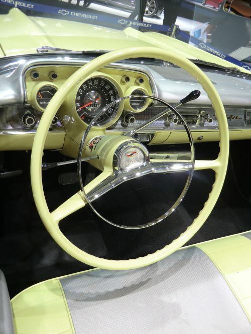 oldtimer chevrolet cockpit
