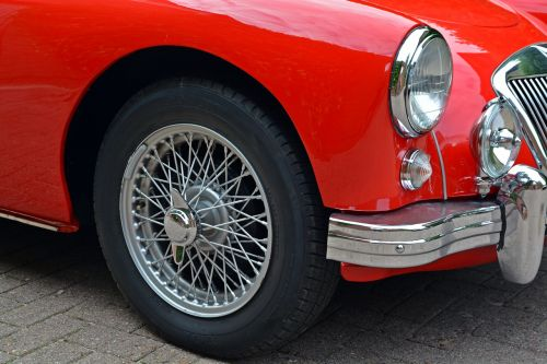 oldtimer mga classic red