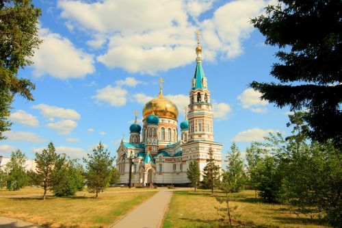 omsk,temple,religion,church,architecture,russia,christianity,cathedral,dome,showplace,building