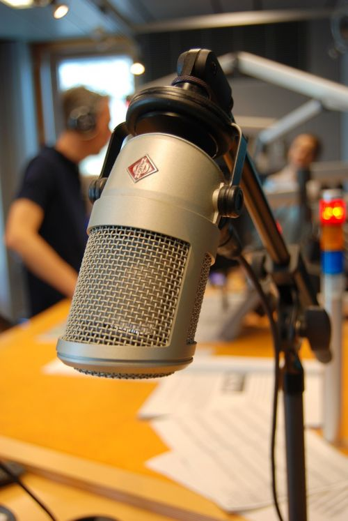 on air microphone radio