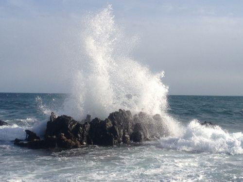 onda sea storm