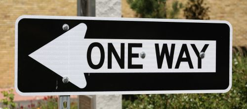 one way traffic sign direction