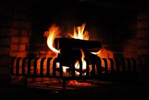 atvira ugnis,liepsna,jaukus,šiltas,Ugnis,židinys,mediena,blaze,deginti,medžio ugnis,šiluma,angelai,heiss,radijas,orkaitės ugnis,medis židiniams,romantiškas,atmosfera,atmosfera