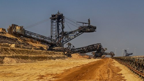 open pit mining  tracked vehicle  carbon