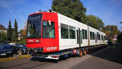 öpnv  tram  low-floor cars