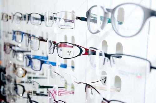 optical store display