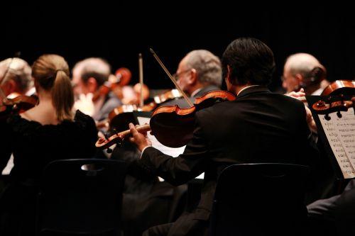 orkestras,simfonija,etapas,atlikti,spektakliai,koncertai,muzika,smuikas