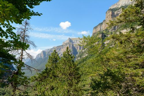 ordesa valley pyrenees huesca