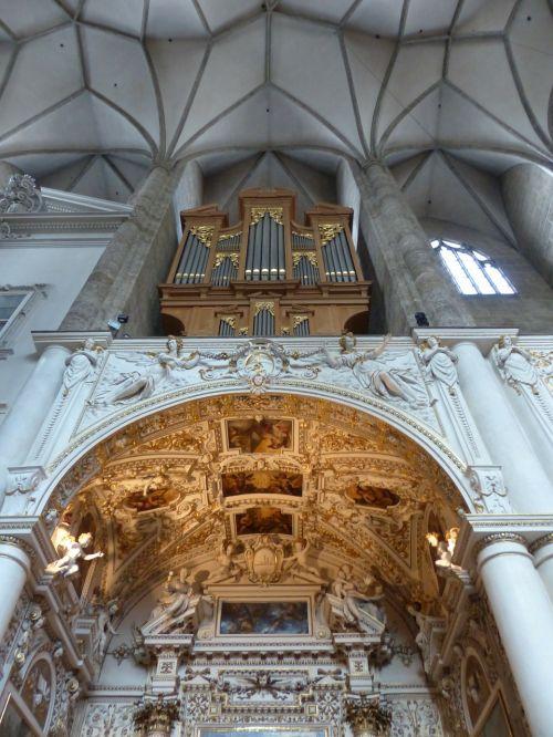 organ star vault organ whistle