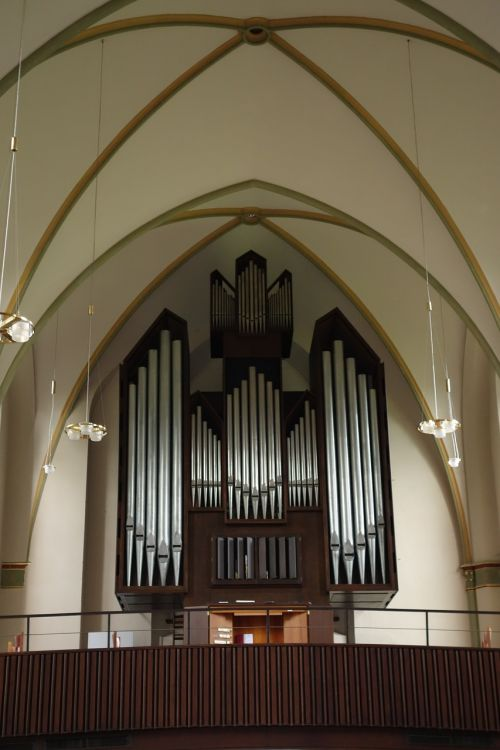 organ church of christ garrison church