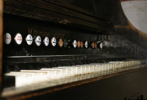 organ  old  music